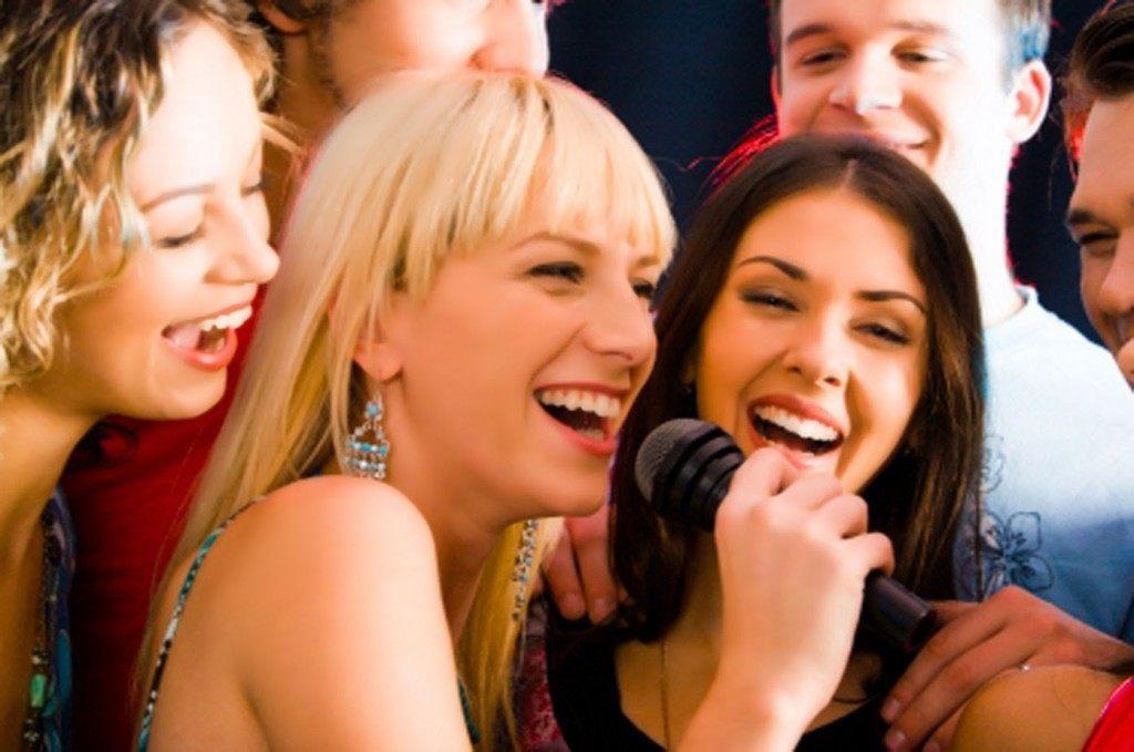 con karaoke