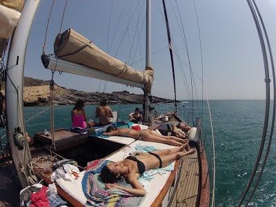 alquiler de barcos para despedidas y grupos